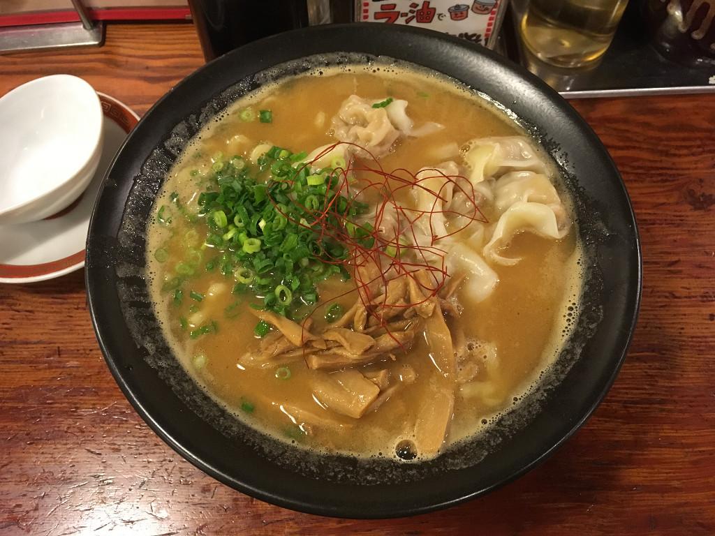 濃厚黒豚雲呑麺