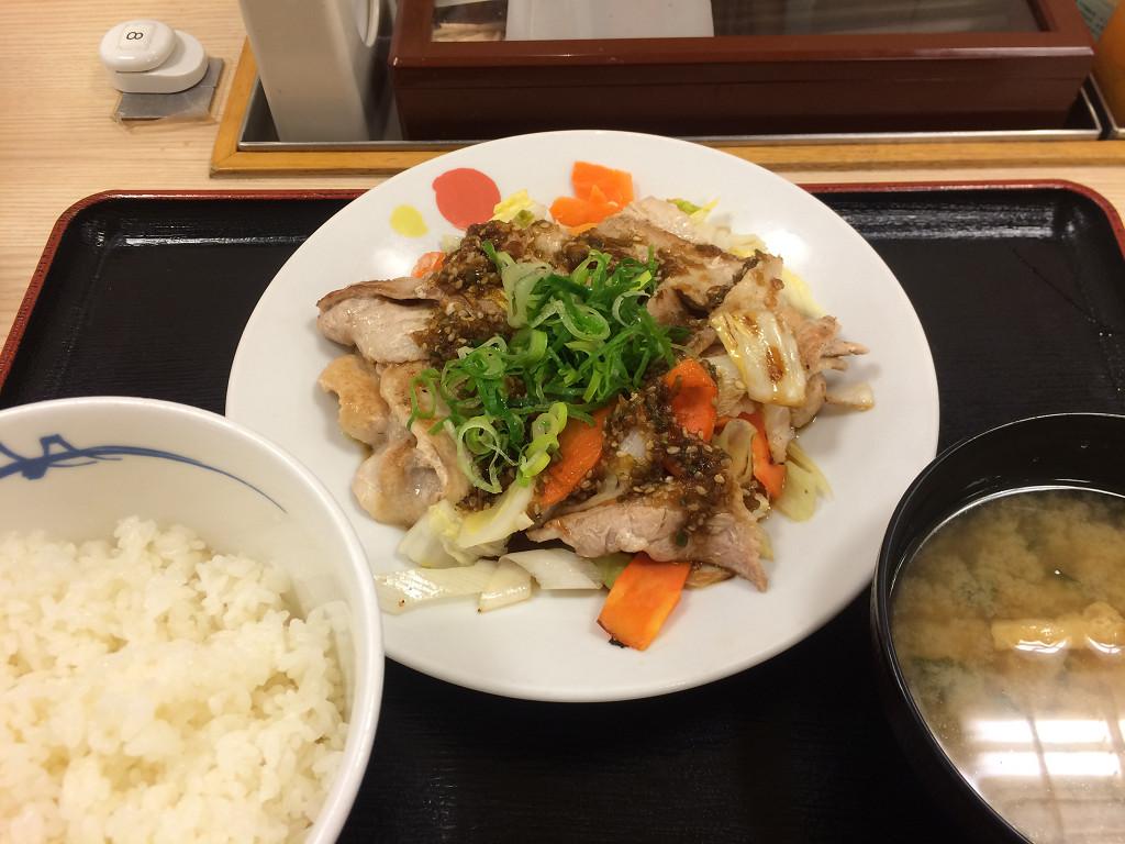 豚肉とたっぷり冬野菜炒め