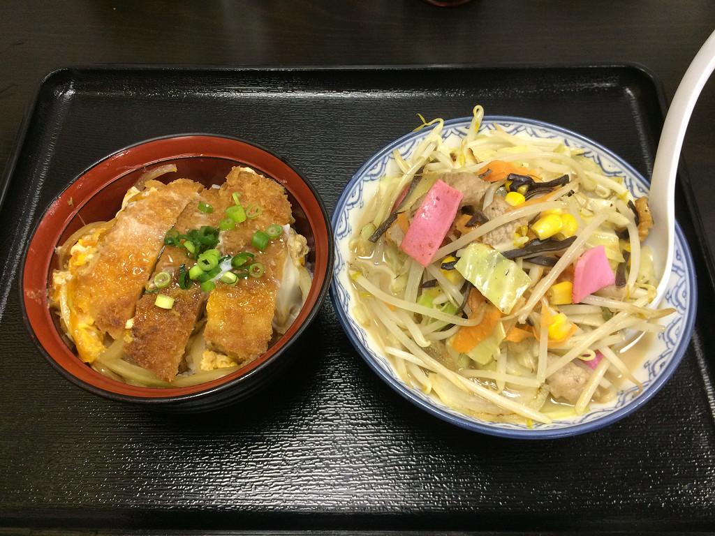 ミニミニちゃんぽんとチキンカツ丼(木曜の日替わりランチ)