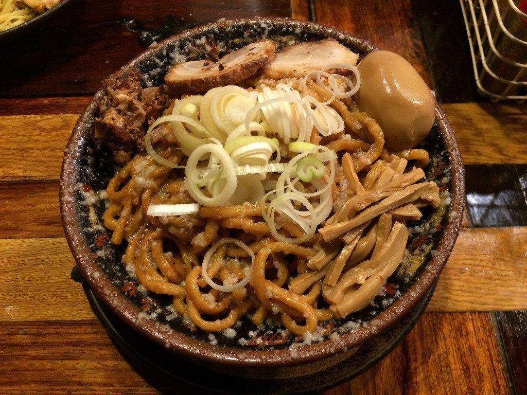 爆盛油脂麺