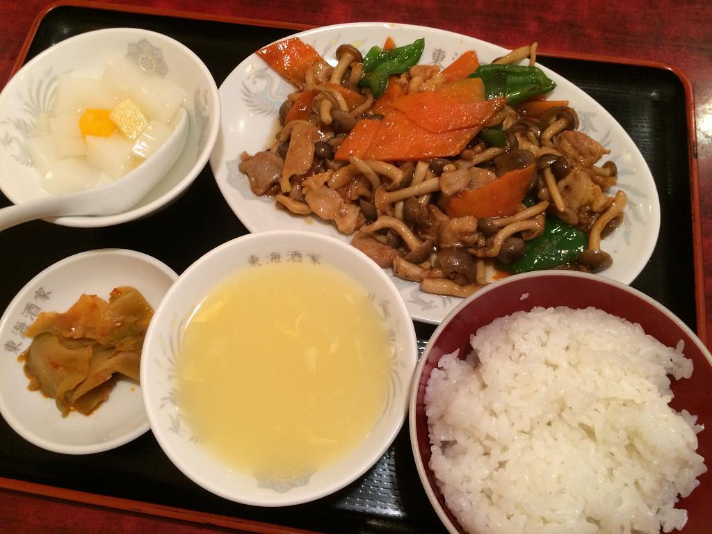 草菇肉片(シメジと豚肉の炒め)