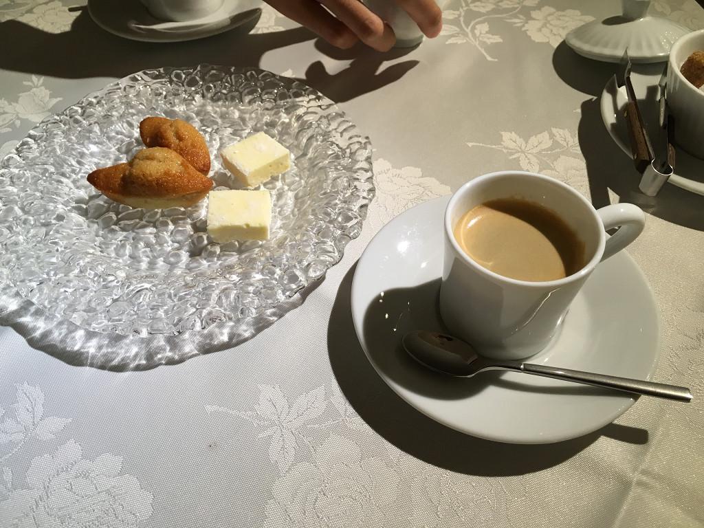 Cafe ou The(コーヒー又は紅茶)