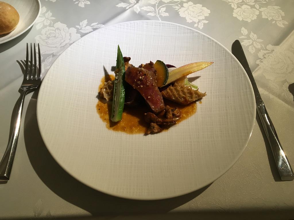 Deuxieme assiette(宮崎県産黒毛和牛(有田牛)カイノミのソテーとハチノスの煮込み)
