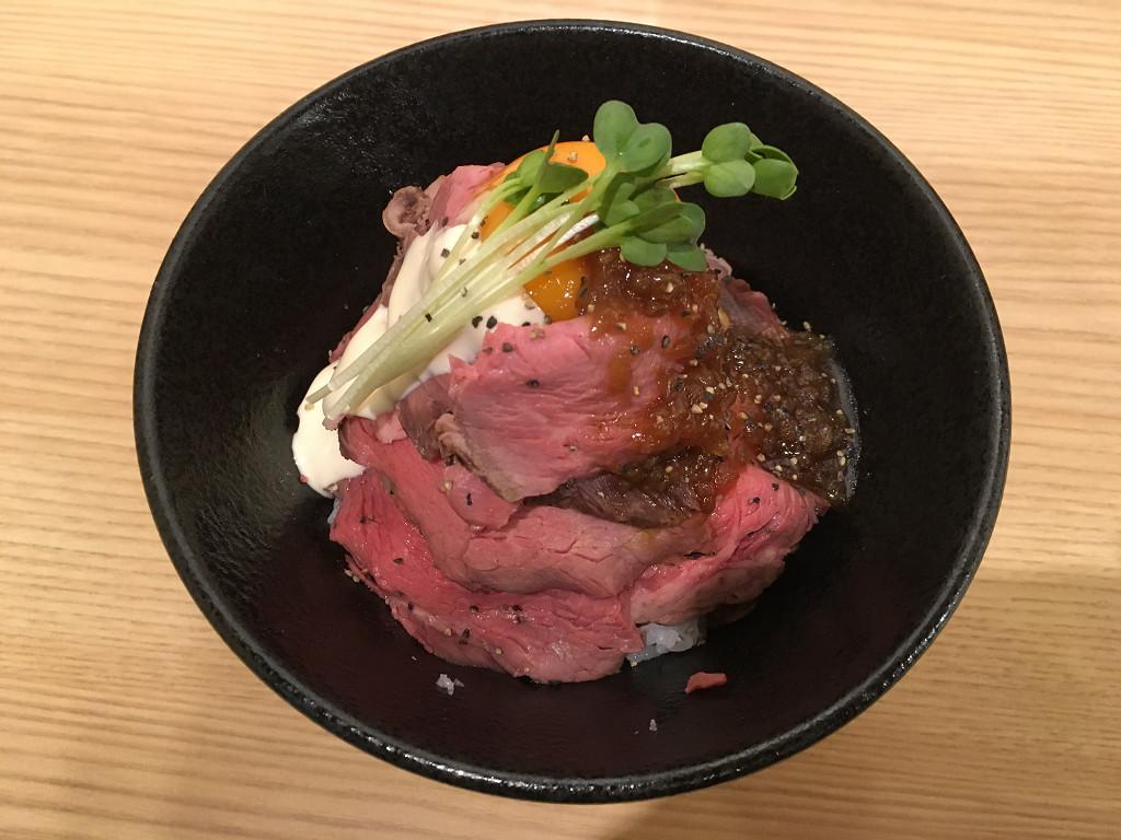 トルネードローストビーフ丼