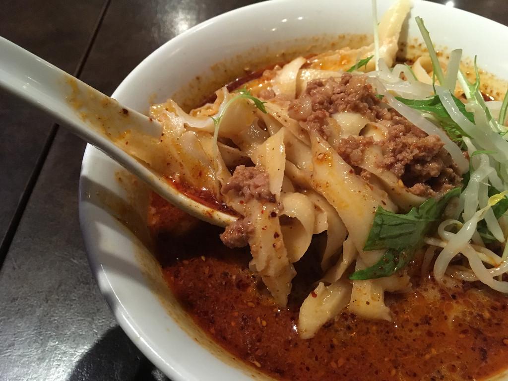 刀削麺の麺