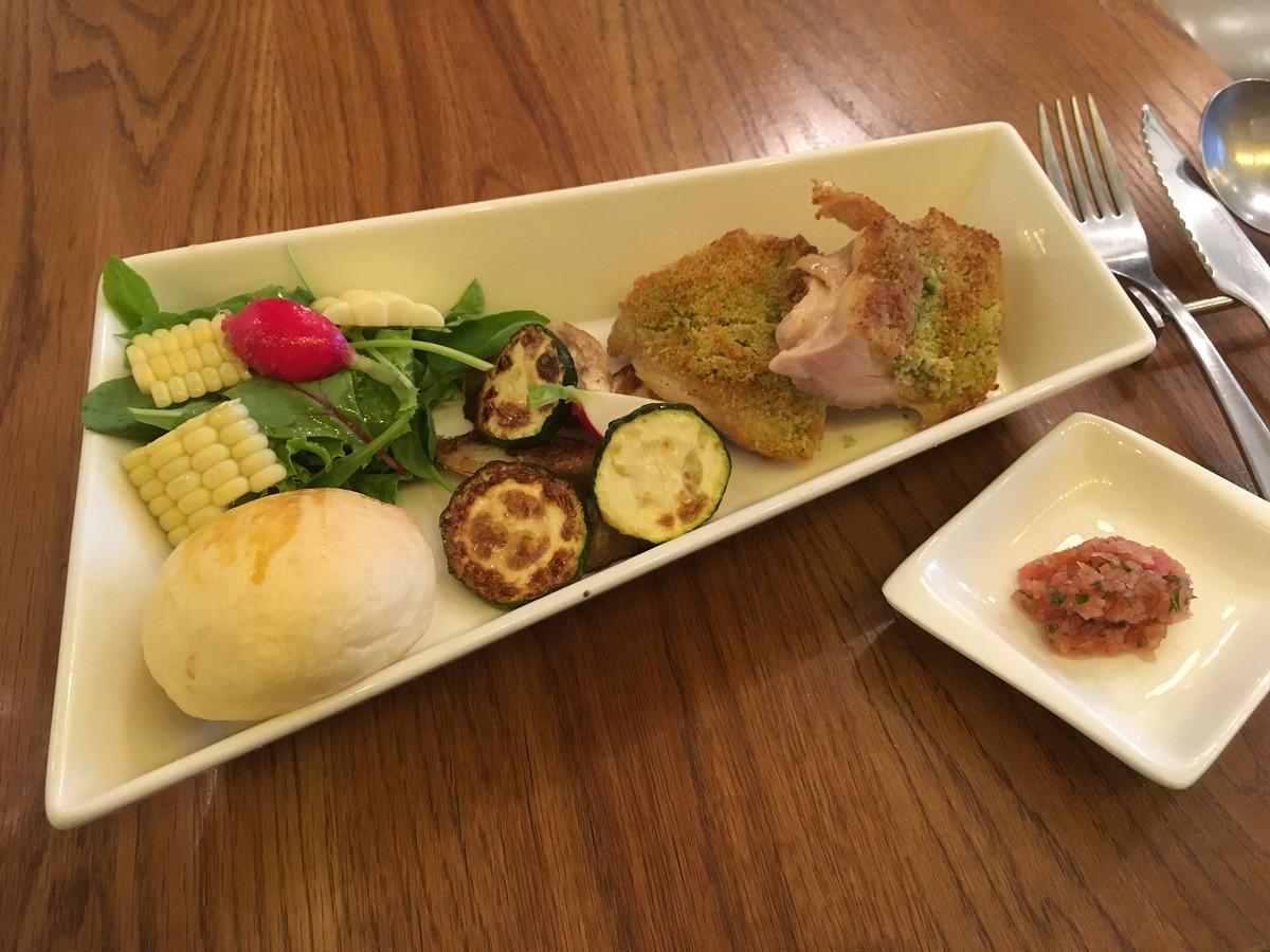大山鶏モモ肉チーズ香草パン粉焼き