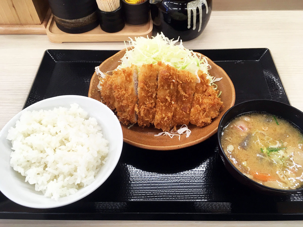朝ロースカツ定食